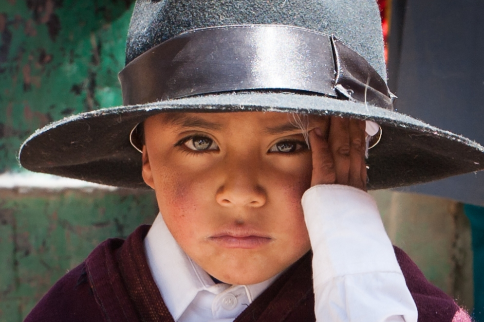Local peruvian child with hat